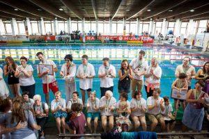 Úszunk és gyűjtünk a közösségi alapítványokért