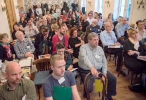 Élő Adás: 100 vendég, 2 millió forint támogatás (Klubrádió)